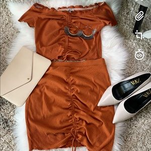 Cinched two piece skirt set. L